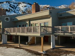 Timber Ridge in Teton Village - Great Unit for Families or Friends! - Teton Village vacation rentals