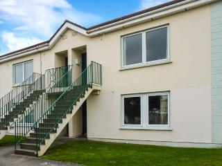 23 ANCHOR MEWS, ground floor apartment, off road parking, shared front lawn, in Arklow, Ref 28682 - County Wicklow vacation rentals