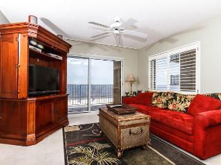 SL 305: BEACH FRONT 3rd Floor CORNER Condo ~ FREE Beach Service & more! - Fort Walton Beach vacation rentals