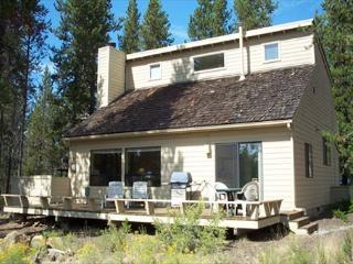Private Hot Tub, Bikes, 10 Unlimited SHARC Passes, Large Deck - Sunriver vacation rentals