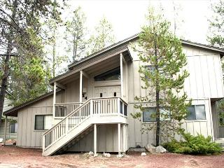 Walk To The River, 8 Unlimited SHARC Passes, Private Hot Tub, Foosball - Sunriver vacation rentals