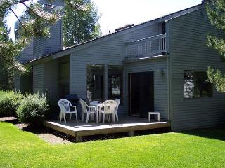 Newly Remodeled Condo, Private Deck, Fully Stocked Kitchen, Bikes - Sunriver vacation rentals