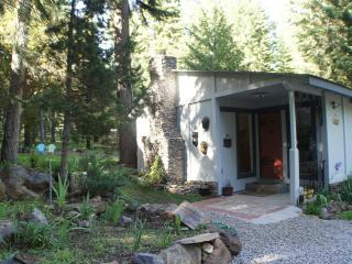 1 bedroom Cottage with Internet Access in Klamath Falls - Klamath Falls vacation rentals
