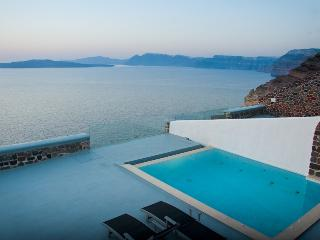 Infinity Cave Suites- Private suites with caldera - Santorini vacation rentals