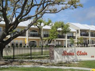 Fabulous 2 Br / 2-1/2 Ba Townhome In Beautiful Long Beach with Ocean View - Long Beach vacation rentals