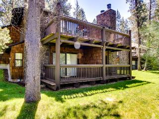 Elegant home w/ shared pool, hot tub & golf course views plus SHARC passes - Sunriver vacation rentals