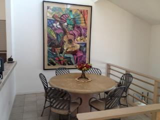 Cozy House with Dishwasher and Stove - Encinitas vacation rentals