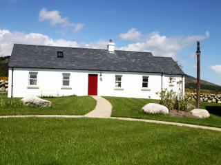 Kribben Cottages, Crannoge 1 of 5 Luxury Cottages - Newcastle vacation rentals