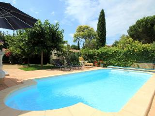 3 bedroom Villa in St Cyr Sur Mer, Provence, France : ref 2255428 - Saint Cyr sur mer vacation rentals