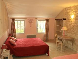Romantic 1 bedroom Turny Bed and Breakfast with Balcony - Turny vacation rentals