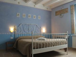 FIORI DI CAMPO B&B HOUSE - Miglianico vacation rentals