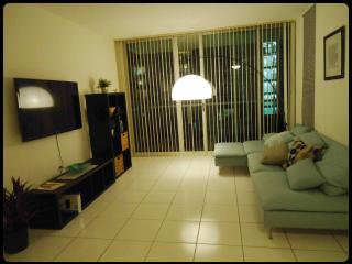 LUXURIOUS APART. OUTDOOR POOL VIEW - Sunny Isles Beach vacation rentals