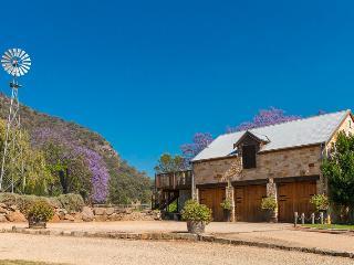 The Mews, Hunter Valley - Broke vacation rentals