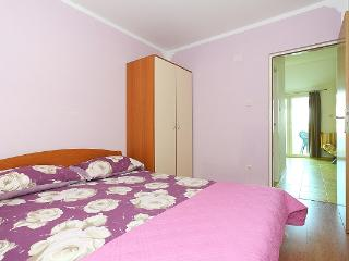 New apartment close to the beach, with 2 bedrooms - Jezera vacation rentals