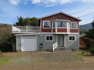 Harvey's Beach House in Nedonna Beach - Oregon Coast vacation rentals