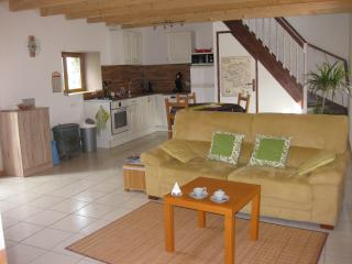Nice traditional cottage near the beaches - Douarnenez vacation rentals