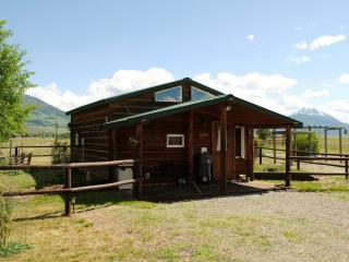 Elegant rustic cabin w/loft bdrm near Chico, YNP - Yellowstone vacation rentals