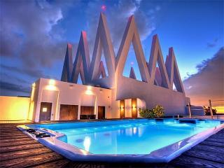 Akoya Condo 1/1.5 BDR ON 15TH FL - Miami Beach vacation rentals