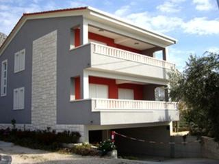 Cozy 2 bedroom Duce Apartment with Internet Access - Duce vacation rentals