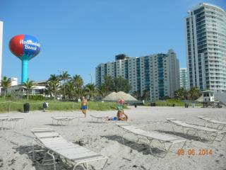 Spectacular 2B direct beach access - Hollywood vacation rentals