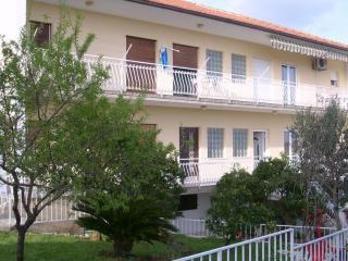 Comfortable apartment - Trogir vacation rentals