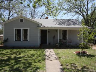 Whitney House - In Town Short Drive to Main Street - Fredericksburg vacation rentals