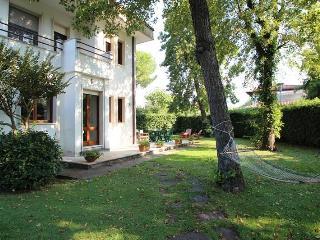 House in Forte dei Marmi with Garden - Forte Dei Marmi vacation rentals