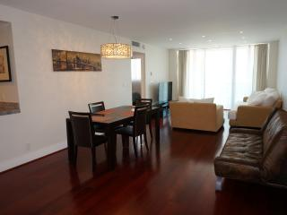 OCEANFRONT CONDO 1/1.5 BDR ON 9TH FL - Hollywood vacation rentals