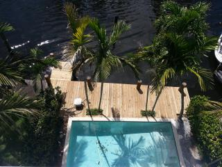 Waterfront Town House. Las Olas. Fort Lauderdale - Fort Lauderdale vacation rentals