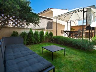 80m2 large apartment with garden for 6 persons - Pula vacation rentals