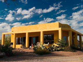 Casita with private tennis court on 6 acres - Tortolita vacation rentals