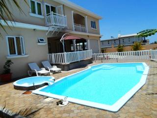 6 bedroom Villa with Deck in Flic En Flac - Flic En Flac vacation rentals