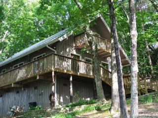 Windancer Lookout  - Breathtaking Mountain Views!! - Helen vacation rentals