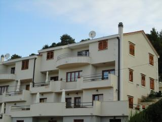 Holliday apartments- Belić- - Jelsa vacation rentals