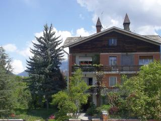 Spacious studio suitable for a couple - Tirano vacation rentals