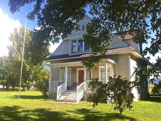 Paonia Victorian Farmhouse - Country, Walk to Town - Paonia vacation rentals
