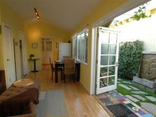 Beach Guest House, 1 bedroom 1 bath.. - Venice Beach vacation rentals
