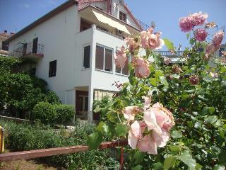 Cozy 2 bedroom Vacation Rental in Jelsa - Jelsa vacation rentals