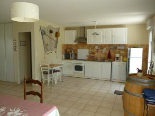 2 bedroom House with Internet Access in Hiers-Brouage - Hiers-Brouage vacation rentals