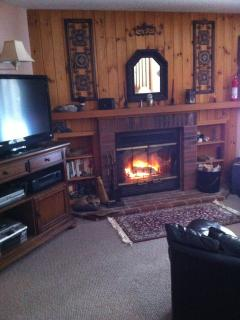Loon Mountain NH Ski Condo, River View + Fireplace - Lincoln vacation rentals
