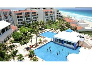 Ocean view condo hotel zone for 1-4 w/WIFI #2410 - Cancun vacation rentals