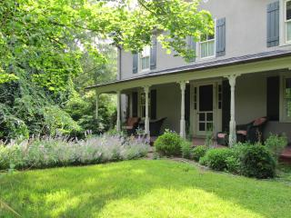 The Warren Country Home - 1 Mile from King Family Vineyards in Lovely Crozet - Charlottesville vacation rentals