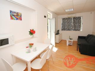 Studio Jazz with free parking in center of Split - Split vacation rentals