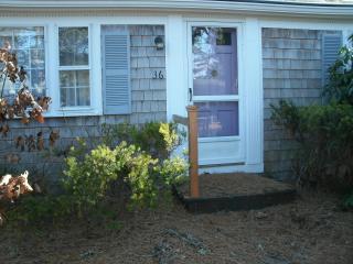 spiffy summer house - Dennis Port vacation rentals