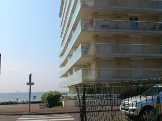 Cozy Nord-Pas-de-Calais Studio rental with Television - Nord-Pas-de-Calais vacation rentals