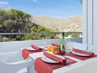 CLARA - Property for 4 people in Cala Sant Vicenç - Cala San Vincente vacation rentals