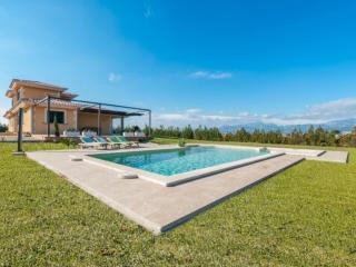 SILVINA - Playa de Muro vacation rentals