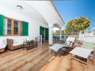 Nice 4 bedroom Puerto de Alcudia Villa with Internet Access - Puerto de Alcudia vacation rentals