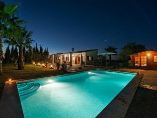 GARROVER DE FELANITX - Property for 8 people in FELANITX - Felanitx vacation rentals