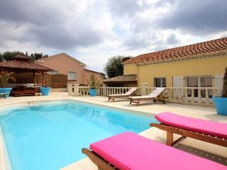 3 bedroom Villa in Toulon, Cote D Azur, Var, France : ref 2255432 - Toulon vacation rentals